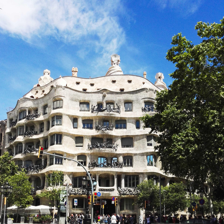 Fakty i ciekawostki o Hiszpanii - Casa Mila - Kate Traveller - Blog Podróżniczy